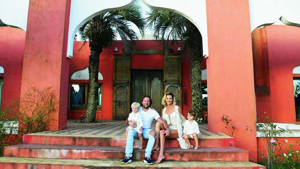 Jimena Buttigliengo presenta a su esposo y sus hijos en Punta del Este