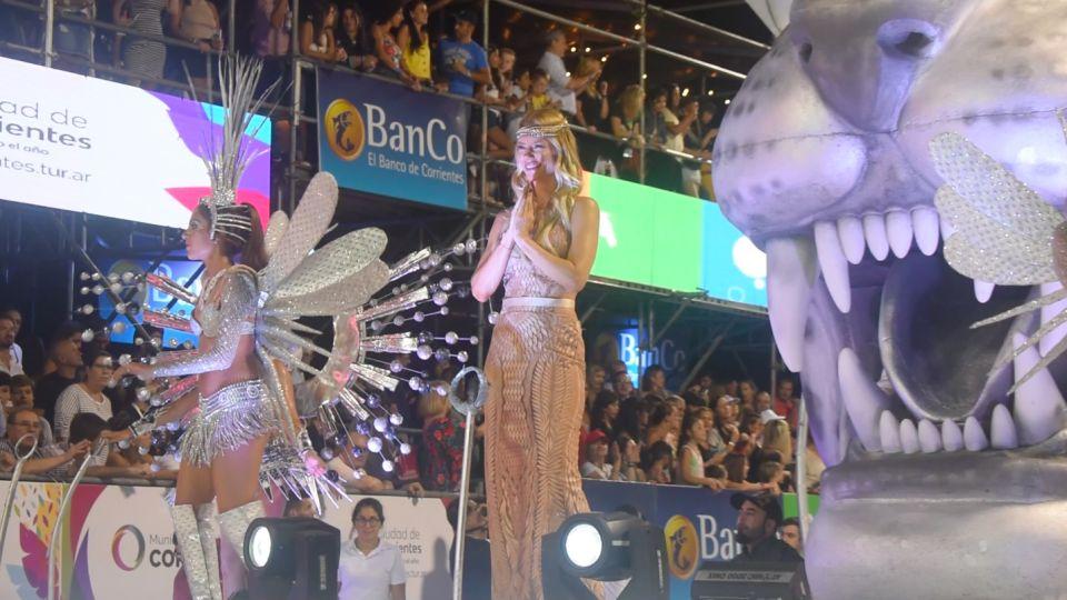 Nicole Neumann se lució en los fantásticos Carnavales de Corrientes