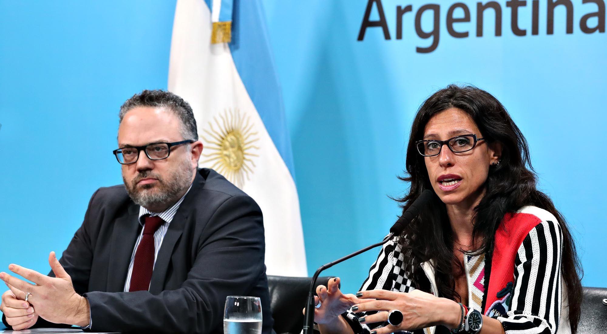 Matías Kulfas y la secretaria de Comercio Interior, Paula Español.