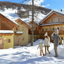 Vialattea-Sestriere, en Italia, es uno de los village europeos que posibilita salir esquiando del edificio.
