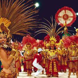 Hay carnavales durante todos los fines de semana en Gualeguay y Victoria.