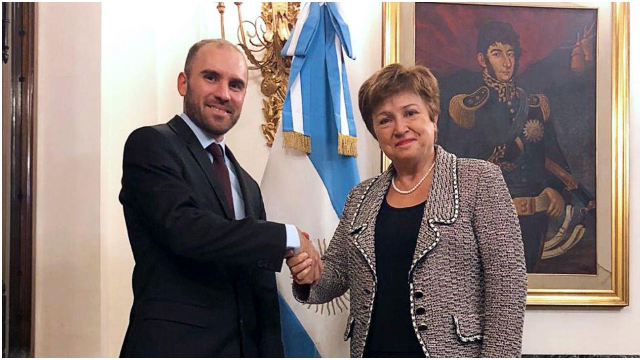 El ministro de Economía Martín Guzmán junto a la directora del FMI, Kristalina Georgieva.