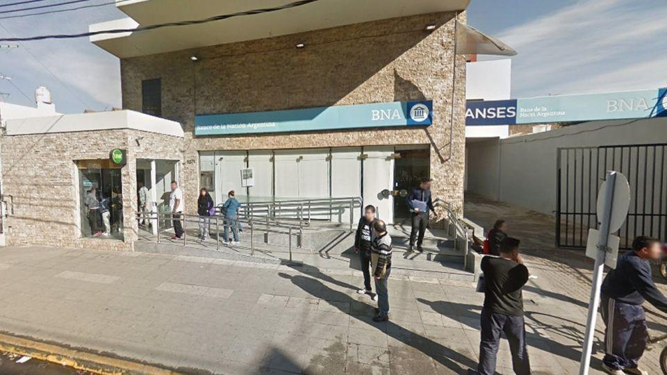 Robo en el Banco Nacion de Isidro Casanova.