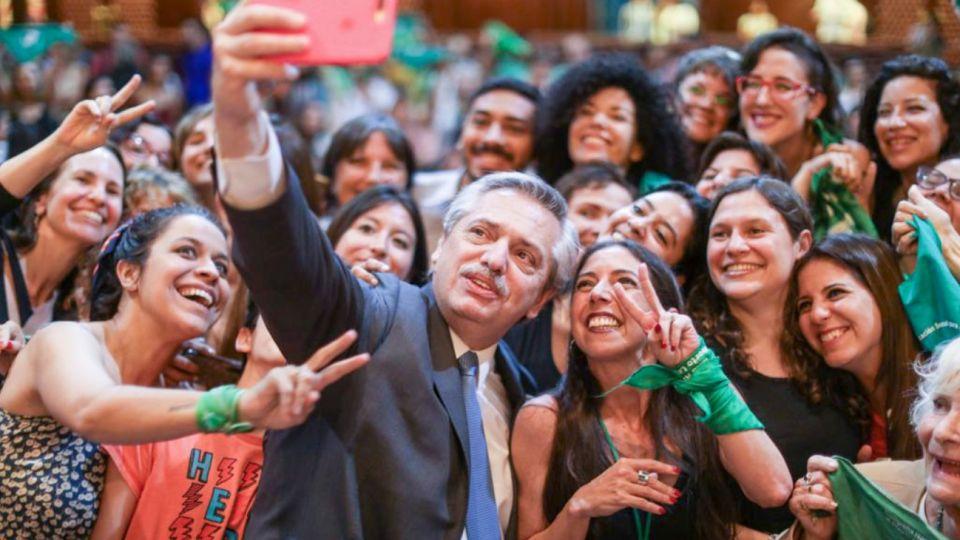 El presidente Alberto Fernández confirmó que impulsará el tratamiento de la legalización del aborto.