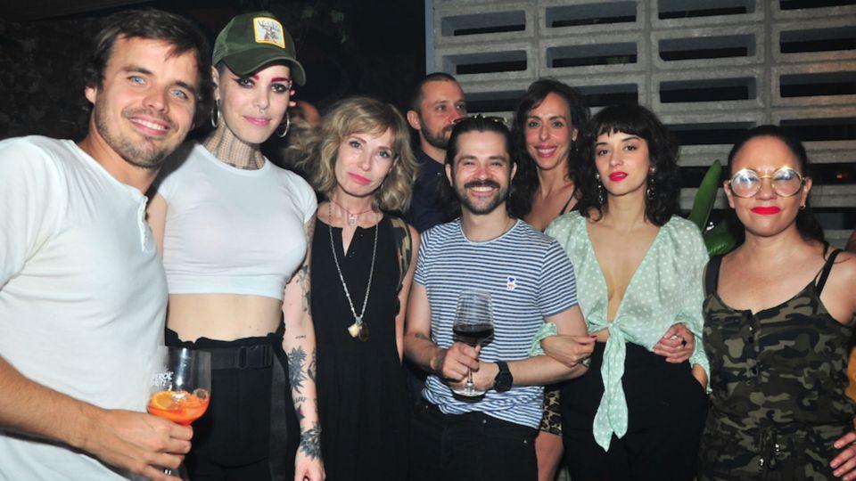 Encuentro cumbre de celebridades en la noche de Buenos Aires