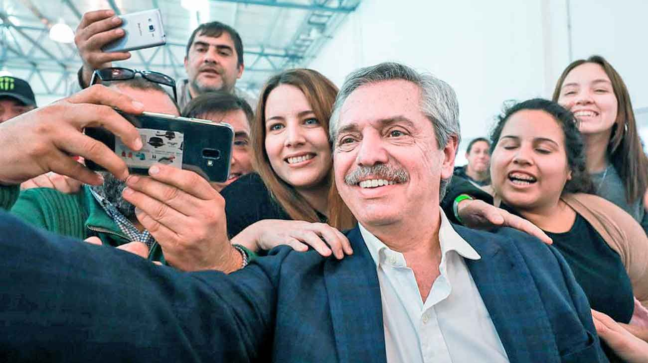 Selfie. Se congeló la fotografía de los comicios. Quienes apoyaban lo siguen haciendo; quienes se oponen, se siguen oponiendo.