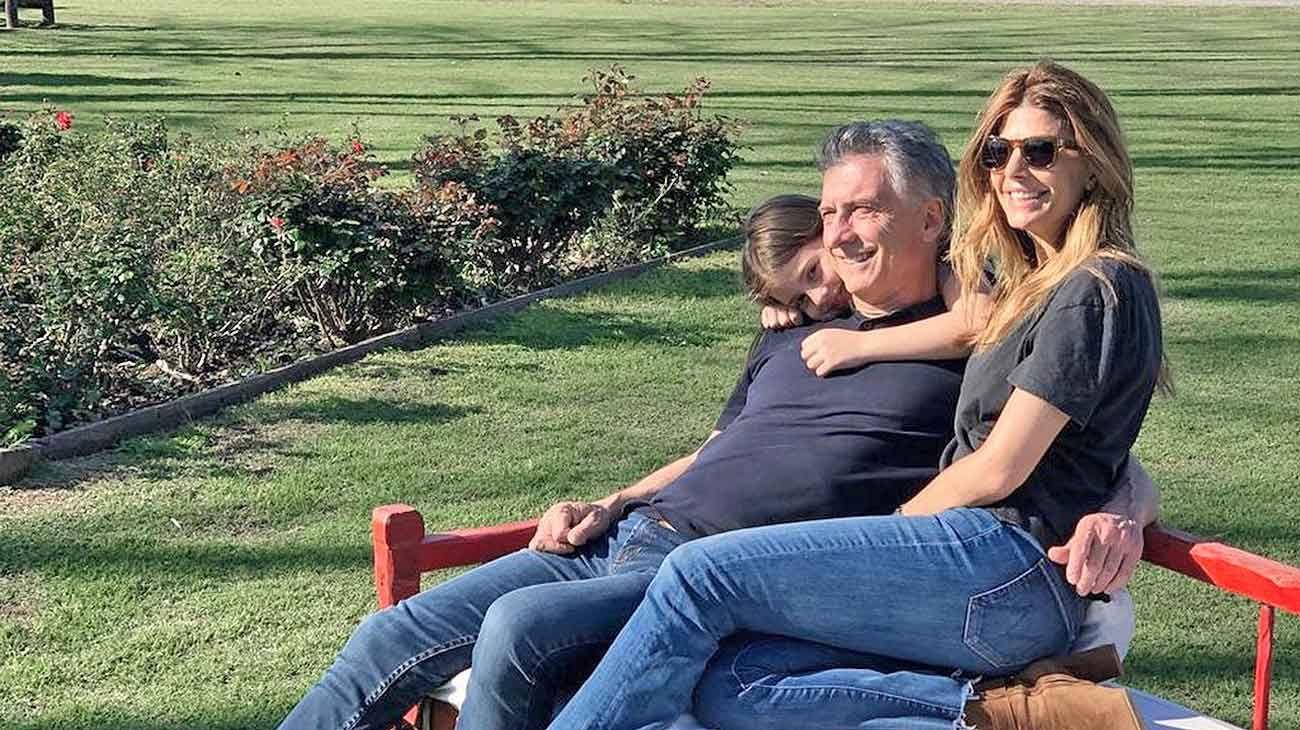 Familia. Macri lo pasó relajado con Juliana y Antonia. También estuvieron sus hijos mayores.