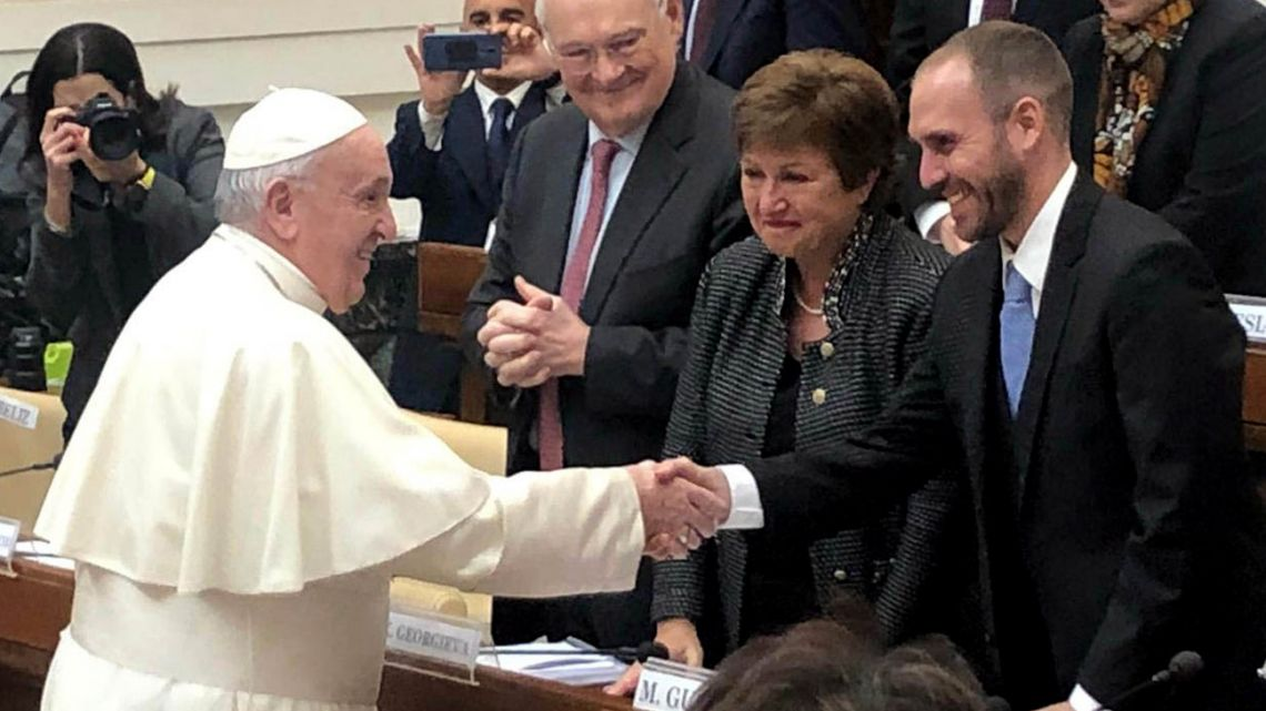 Pope Francis tacitly supported Guzmán's strategy with the IMF.