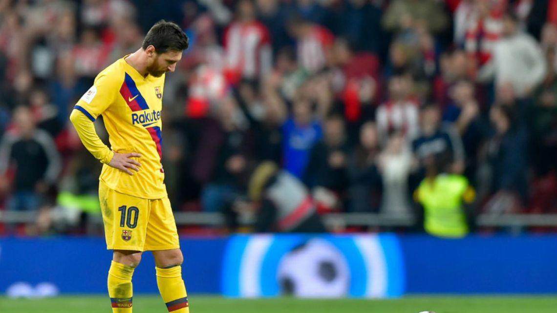 Temor por el coronavirus: someterán a un control al plantel de Barcelona