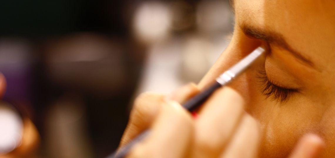 Corrector o iluminador: cuál es la diferencia de los infaltables en make up