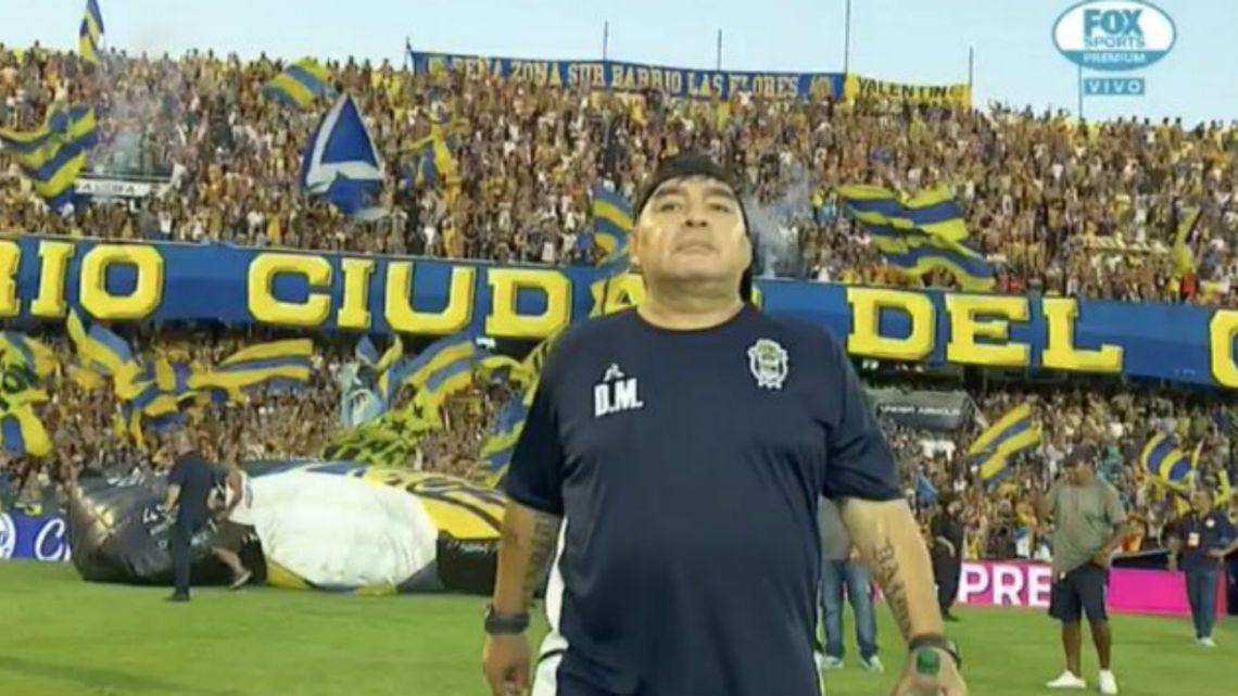 Así fue el recibimiento para Maradona de los hinchas de Central