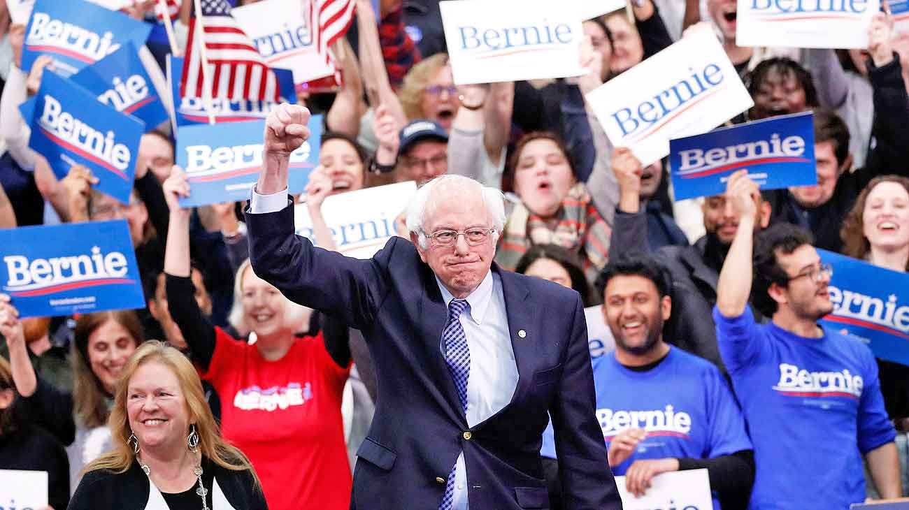 Bernie. Sanders se beneficia de los múltiples candidatos de centro que le disputan la nominación.