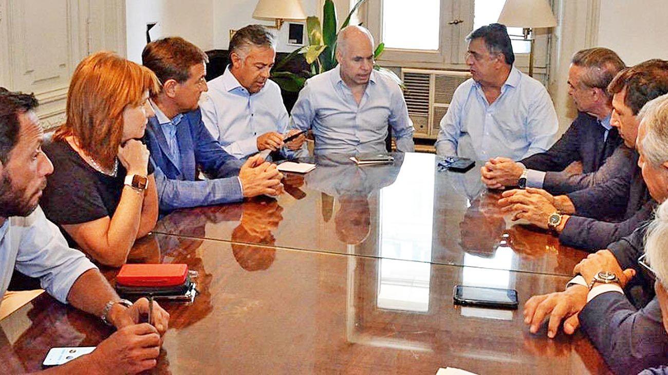 Mesa. A fines de enero, se juntaron los referentes opositores para sentar posición sobre la deuda.