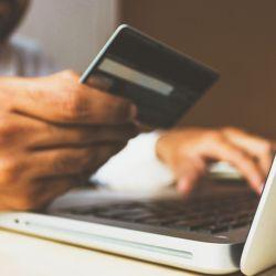 Infidelidad financiera: esconder dinero u ocultarlo es otra forma de engaño