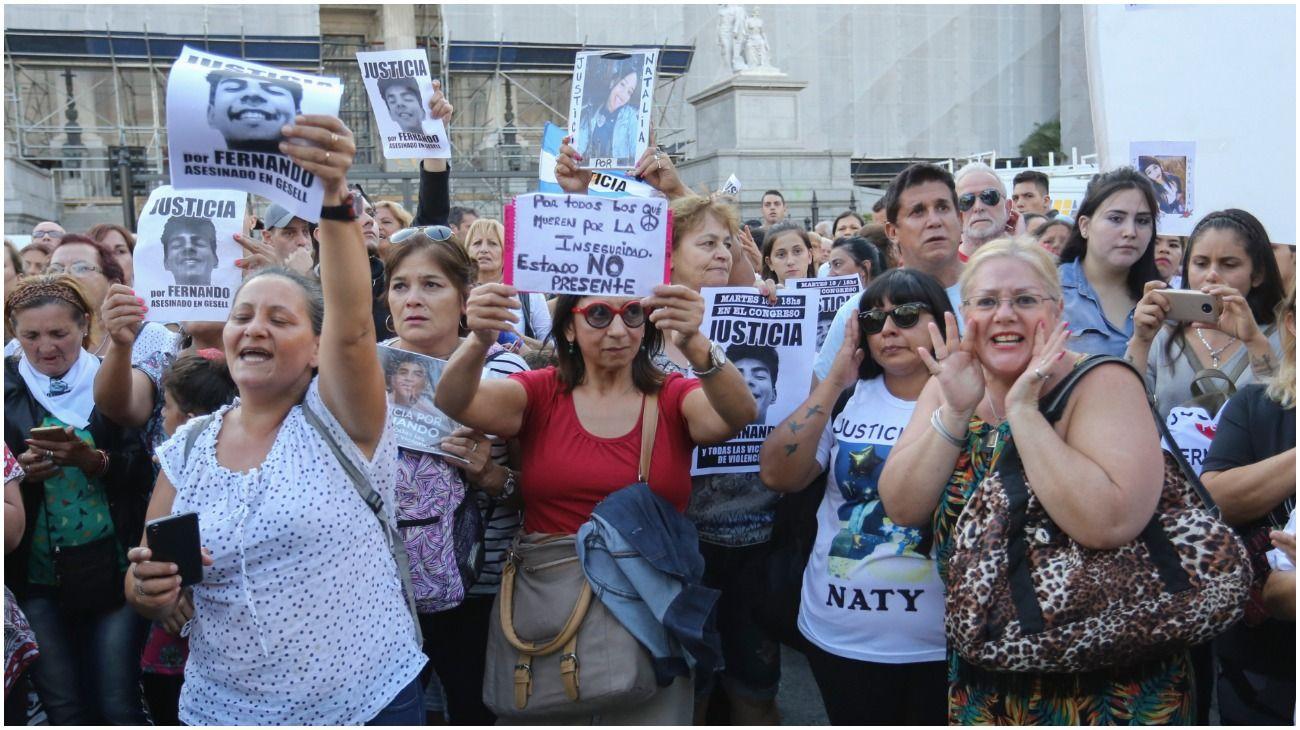 Multitudinaria marcha por el crimen de Fernando Báez Sosa.