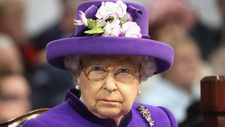 Otro disgusto para la reina Isabel: su familia fue vinculada con el porno chino