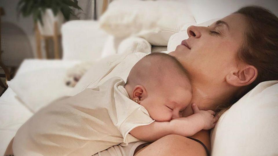 Eugenia Tobal compartió una tierna foto de Ema al cumplir dos meses de vida