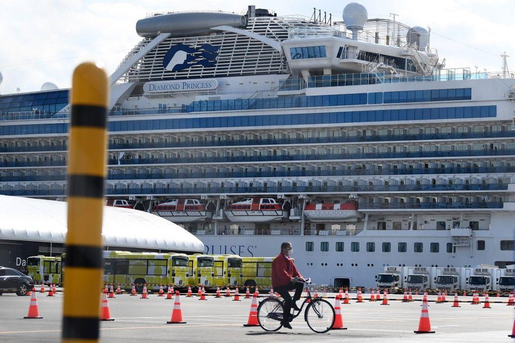 """Coronavirus: fin de una cuarentena """"de pesadilla"""" para 500 pasajeros del crucero en Japón"""