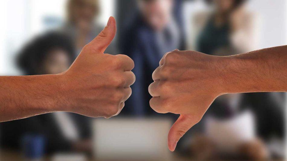imagen negativa positiva pulgares manos