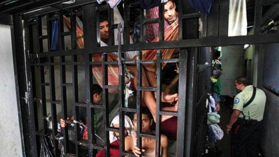 Venezuela tiene unas 30 cárceles con problemas de sobrepoblación, hacinamiento y violencia.