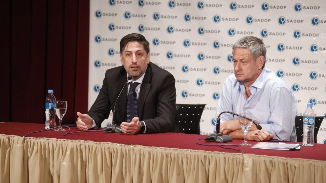 Nicolás Trotta y Jorge Kalinger, secretario general del gremio de los docentes privados (Sadop).
