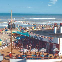 Cap Arcona es el secreto mejor guardado de Villa Gesell: visitado por familias, tiene playa propia y una espectacular piscina y actividades en el hotel.