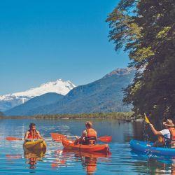 El Hotel Tronador es precioso por donde se lo mire, está atendido por sus dueños y ofrece senderismo y kayakismo en el lago Mascardi.