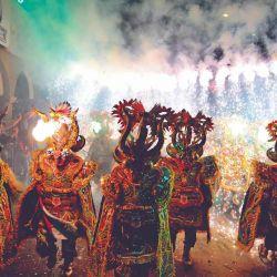 Los dragones típicos de Oruro.
