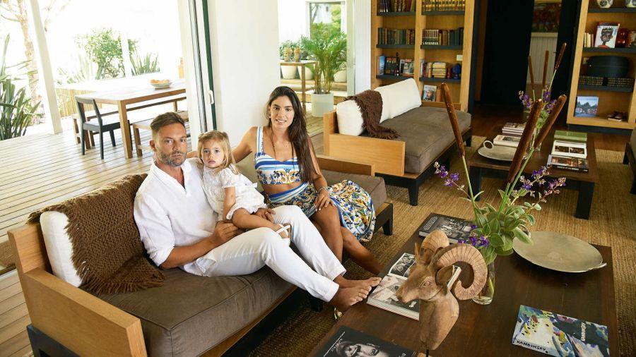 Sofía Balut, la nieta de Páez Vilaró abre su casa esteña junto a su familia
