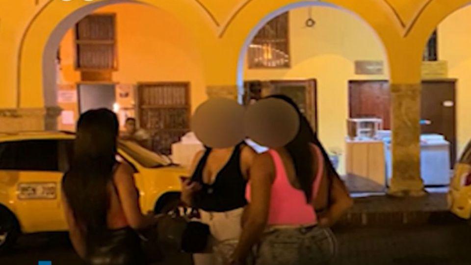Prostitución de menores en las calles de Cartagena, Colombia.