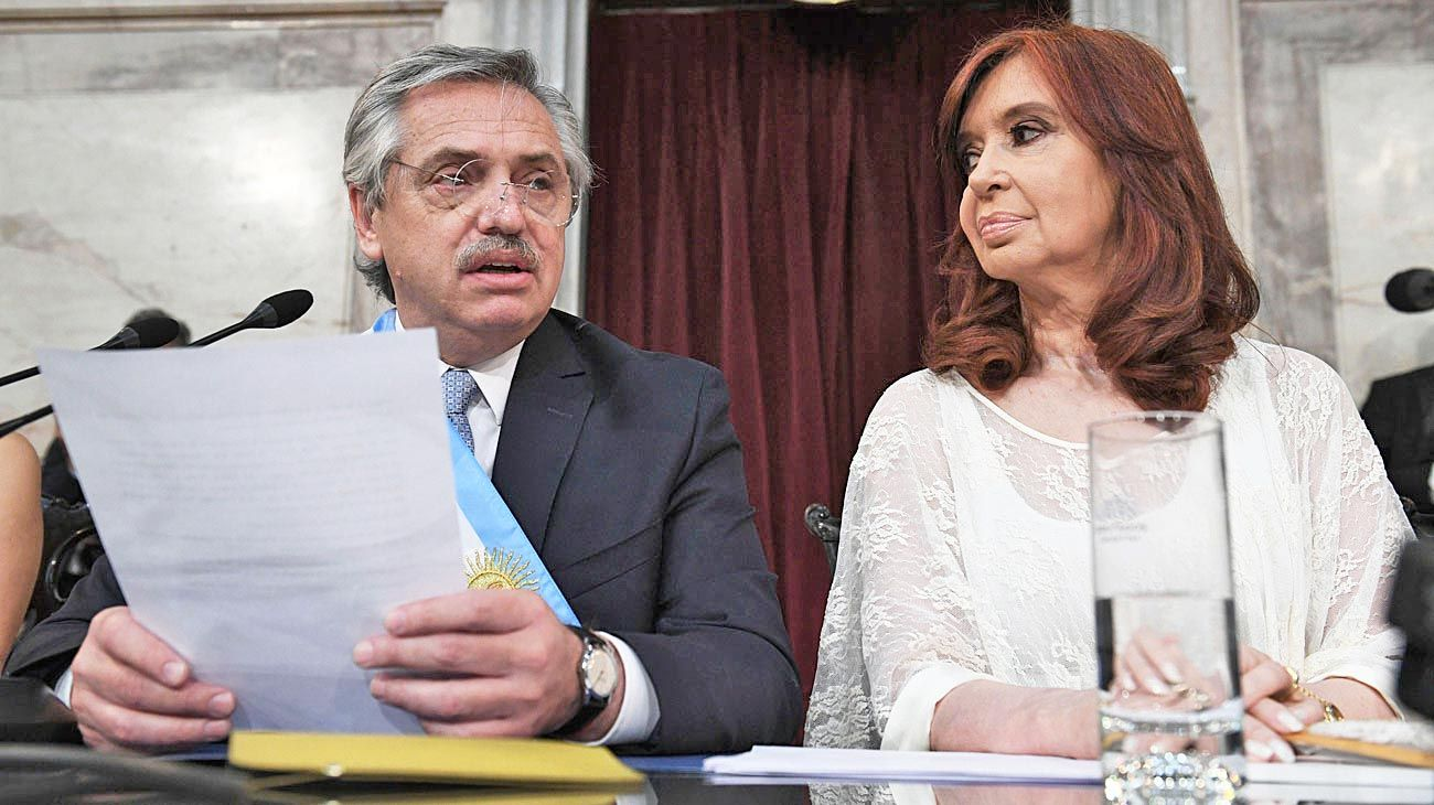 Frenemies. Alberto y Cristina, dos a quererse.