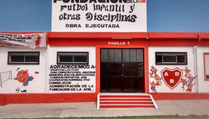 Una obra de otro planeta: el club Berazategui inauguró vestuarios con paneles de energía solar.