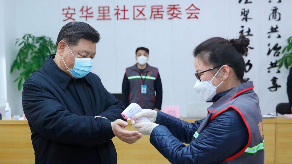 El presidente chino Xi Jinping, admitió ante la cúpula del PC que la epidemia de coronavirus ofrece un panorama
