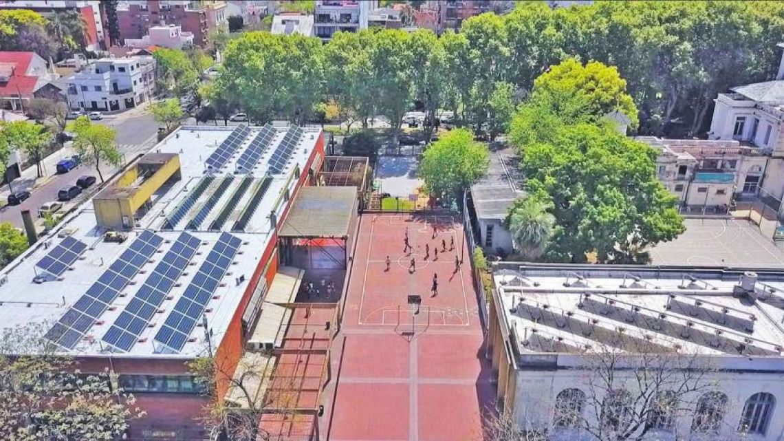 Primary School No. 15 is part of the Green Schools project, which promotes sustainability in Buenos Aires.