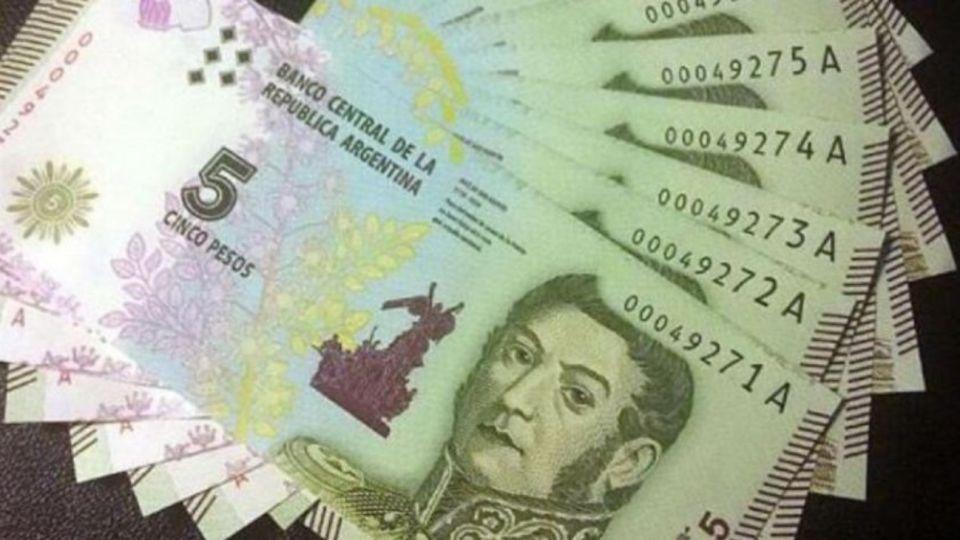 Los billetes de 5 pesos deben ser aceptados en comercios hasta el 29 de febrero. En los bancos, se podrán cambiar hasta el 31 de marzo de 2020.