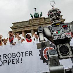 La Campaña Contra los Robots Asesinos (Campaign to Stop Killer Robots) se creó en octubre de 2012.