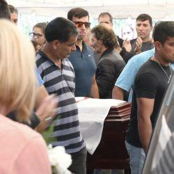 El último adiós de Braian Toledo en el cementerio de Marcos Paz. Amigos y familiares despidieron los restos del atleta olímpico.