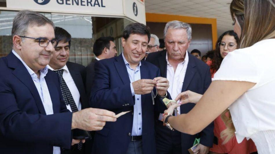 Arroyo, en Catamarca, junto al gobernador Jalil.