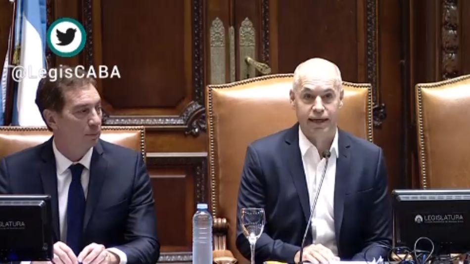 Rodríguez Larreta, junto a Santilli en la apertura de las sesiones en la Legislatura porteña.