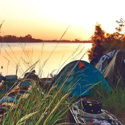 Sortearemos dificultades, acamparemos, remaremos mucho y tal vez pesquemos.