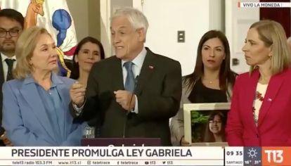"""VIDEO: Para Piñera hay """"voluntad de los hombres de abusar"""" y también """"posición de las mujeres de ser abusada"""