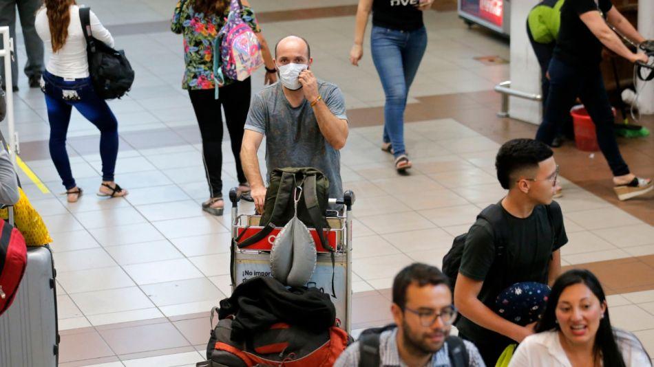 El barbijo debe emplearlo quien tiene síntomas o padece la enfermedad.