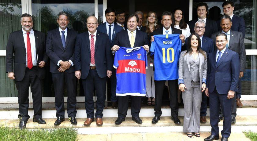 Massa viaja a Brasil para afianzar la relación bilateral parlamentaria