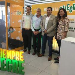 Autoridades nacionales y de la aerolínea inauguraron formalmente el primer vuelo de Flybondi que une El Palomar con Porto Alegre.