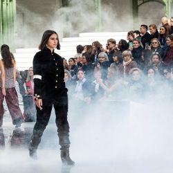 Jill Kortleve la primera en desfilar con un cuerpo real para Chanel