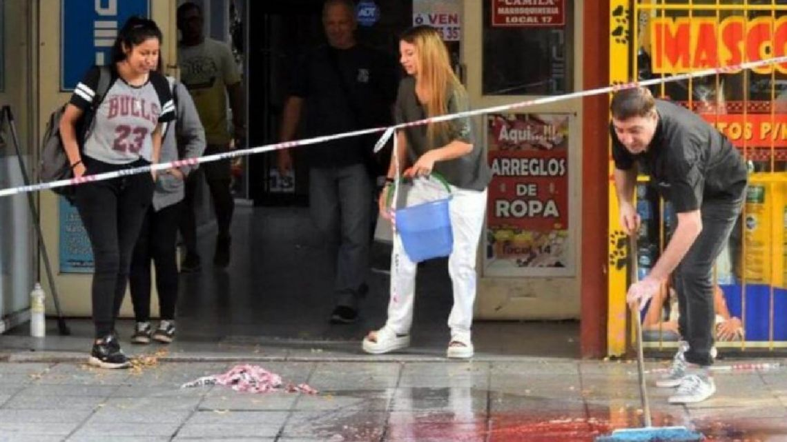 Jordana Belén Rivero, 28, died after falling from the seventh floor of a building in Mar del Plata. The fall occurred after the victim was allegedly beaten.
