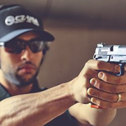 Las características y el diseño de la DWX full size la convierten en un arma ideal para disciplinas de tiro de precisión o dinámico.