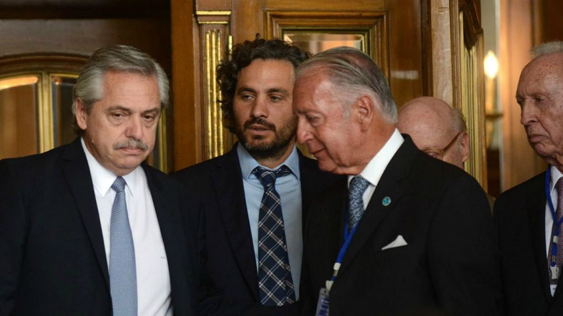 Argentine President Alberto Fernández (left) and Head of Cabinet Santiago Cafiero (center) along with businessman during the CICYP event at the Alvear Hotel in Buenos Aires on Wednesday.
