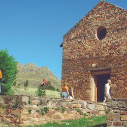 Iglesia del pueblo antiguo La Carolina.