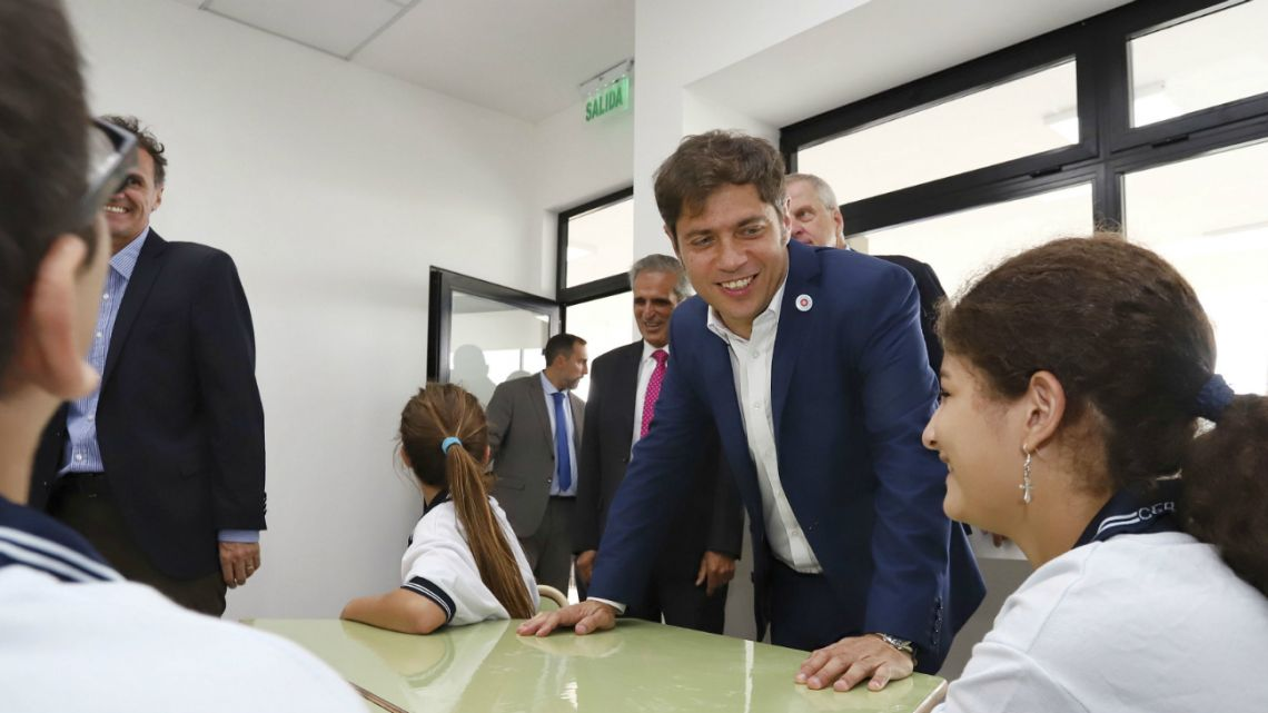 The governor of the province of Buenos Aires, Axel Kicillof, participated on Monday in the inauguration of the 'Colegio Preuniversitario Dr. Ramon Cereijo', a high school located in Escobar.